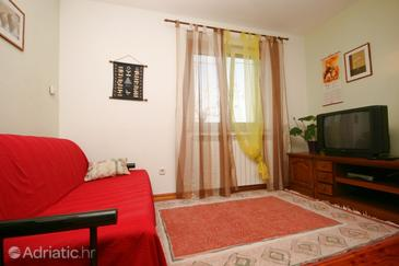 Rožac, Living room in the apartment, dostupna klima i dopusteni kucni ljubimci.