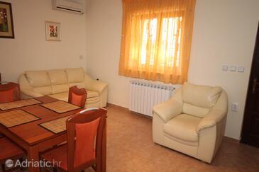 Finida, Nappali szállásegység típusa apartment, légkondicionálás elérhető és WiFi .