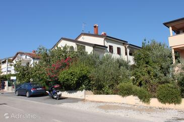 Novigrad, Novigrad, Property 7020 - Apartments with pebble beach.
