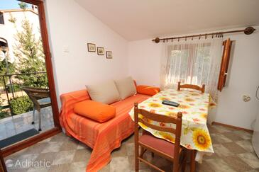 Poreč, Dining room in the studio-apartment, WiFi.