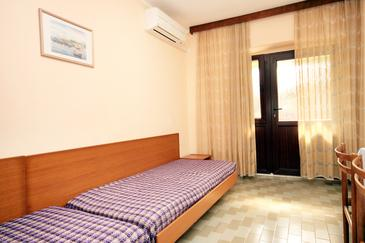 Tar, Obývací pokoj v ubytování typu house, s klimatizací, domácí mazlíčci povoleni a WiFi.