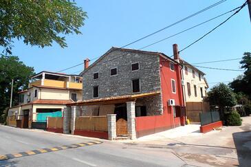 Zambratija, Umag, Property 7030 - Apartments by the sea.