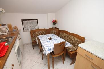 Novigrad, Blagovaonica u smještaju tipa apartment, kućni ljubimci dozvoljeni i WiFi.