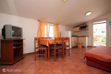 Umag, Esszimmer in folgender Unterkunftsart apartment, Klimaanlage vorhanden, Haustiere erlaubt und WiFi.