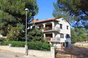 Apartments with a parking space Poreč - 7042