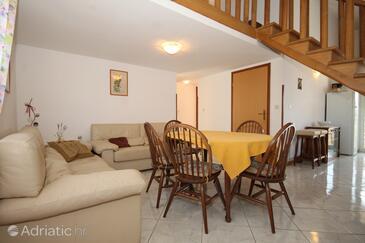 Umag, Dining room in the apartment, dopusteni kucni ljubimci i WIFI.