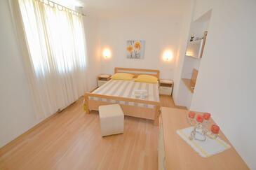 Спальня    - A-7054-b