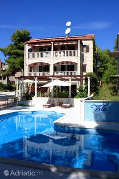Sumartin, Brač, Property 707 - Apartments by the sea.