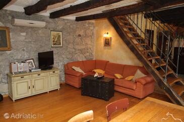 Rim, Wohnzimmer in folgender Unterkunftsart house, Klimaanlage vorhanden und WiFi.