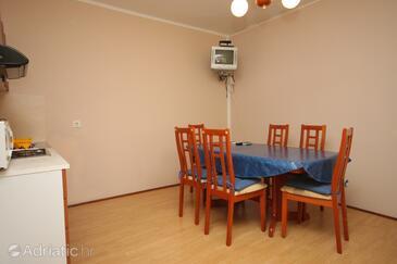 Umag, Dining room in the apartment, dostupna klima, dopusteni kucni ljubimci i WIFI.
