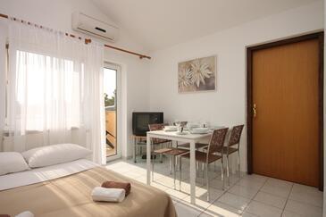 Funtana, Jadalnia w zakwaterowaniu typu apartment, Dostępna klimatyzacja.