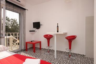Funtana, Jadalnia w zakwaterowaniu typu studio-apartment.
