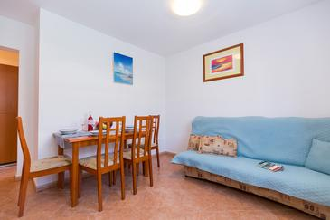 Novigrad, Living room in the apartment, dostupna klima i WIFI.