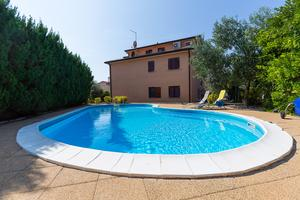 Апартаменты с бассейном Новиград - Novigrad - 7078