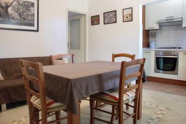 Umag, Dining room in the apartment, dostupna klima.