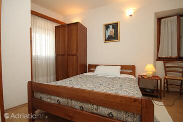 Bedroom    - S-7081-a