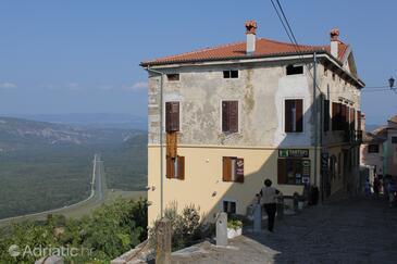 Motovun, Središnja Istra, Property 7091 - Apartments with pebble beach.