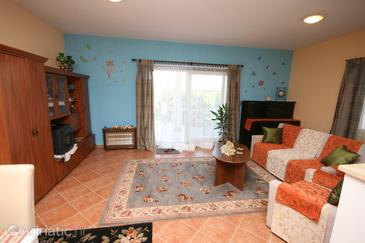 Stranići, Living room in the apartment, dostupna klima i WIFI.