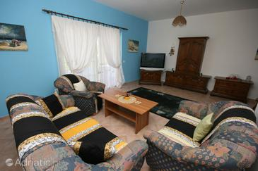 Living room    - A-7105-g