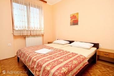 Bedroom    - A-7109-a