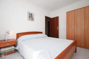 Bedroom    - A-7114-a
