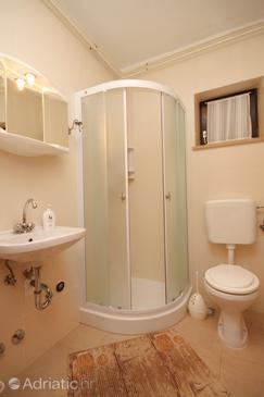 Bathroom    - A-7114-c