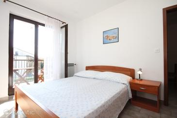 Bedroom    - A-7114-c