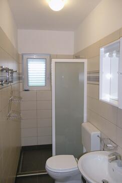 Bathroom 2   - A-7118-a
