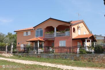 Valica, Umag, Objekt 7122 - Ubytování s oblázkovou pláží.