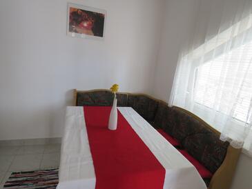 Vrsar, Dining room in the apartment, dostupna klima i WIFI.
