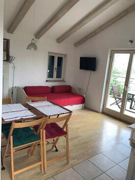 Zambratija, Jídelna v ubytování typu apartment, domácí mazlíčci povoleni a WiFi.