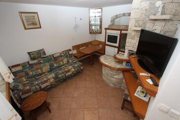 Bašanija, Salle à manger dans l'hébergement en type apartment, climatisation disponible, animaux acceptés et WiFi.