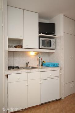 Bašanija, Cuisine dans l'hébergement en type studio-apartment, animaux acceptés et WiFi.