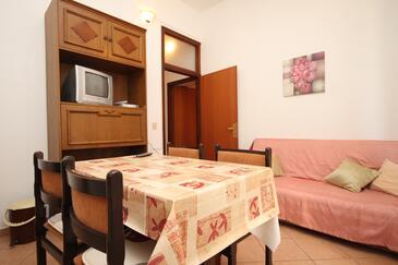 Bašanija, Jídelna v ubytování typu apartment, s klimatizací a WiFi.