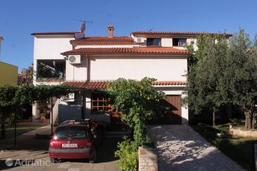 Fažana, Fažana, Объект 7153 - Апартаменты с галечным пляжем.