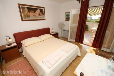 Rovinj, Bedroom in the room, air condition available, (pet friendly) and WiFi.