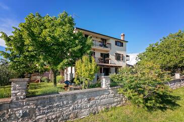 Flengi, Poreč, Obiekt 7179 - Apartamenty ze żwirową plażą.