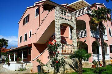 Medulin, Medulin, Property 7182 - Apartments with sandy beach.