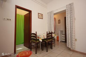 Zambratija, Dining room in the studio-apartment, dostupna klima.