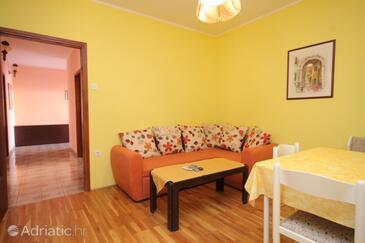 Rovinj, Obývací pokoj v ubytování typu apartment, s klimatizací, domácí mazlíčci povoleni a WiFi.