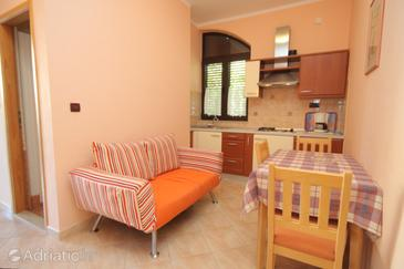 Rovinj, Dining room in the apartment, (pet friendly) and WiFi.