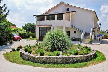 Lindar, Središnja Istra, Property 7197 - Apartments with pebble beach.