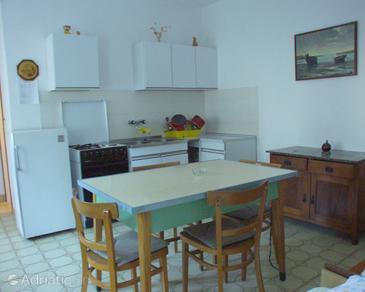 Puntinak, Dining room in the apartment.