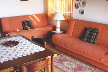 Štinjan, Living room in the apartment, dostupna klima.