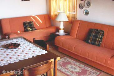 Štinjan, Living room in the apartment, dostupna klima.