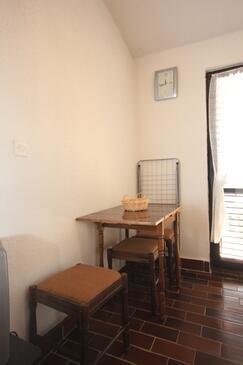 Štinjan, Jadalnia w zakwaterowaniu typu studio-apartment.