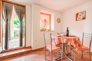Fažana, Dining room in the apartment, dopusteni kucni ljubimci i WIFI.