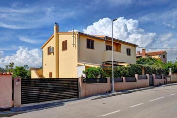 Fažana, Fažana, Property 7207 - Apartments with pebble beach.