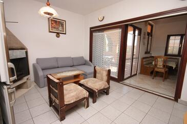 Medulin, Obývací pokoj v ubytování typu apartment, s klimatizací a WiFi.