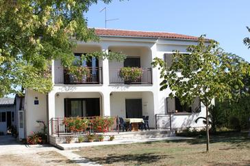 Valbandon, Fažana, Obiekt 7225 - Apartamenty ze żwirową plażą.